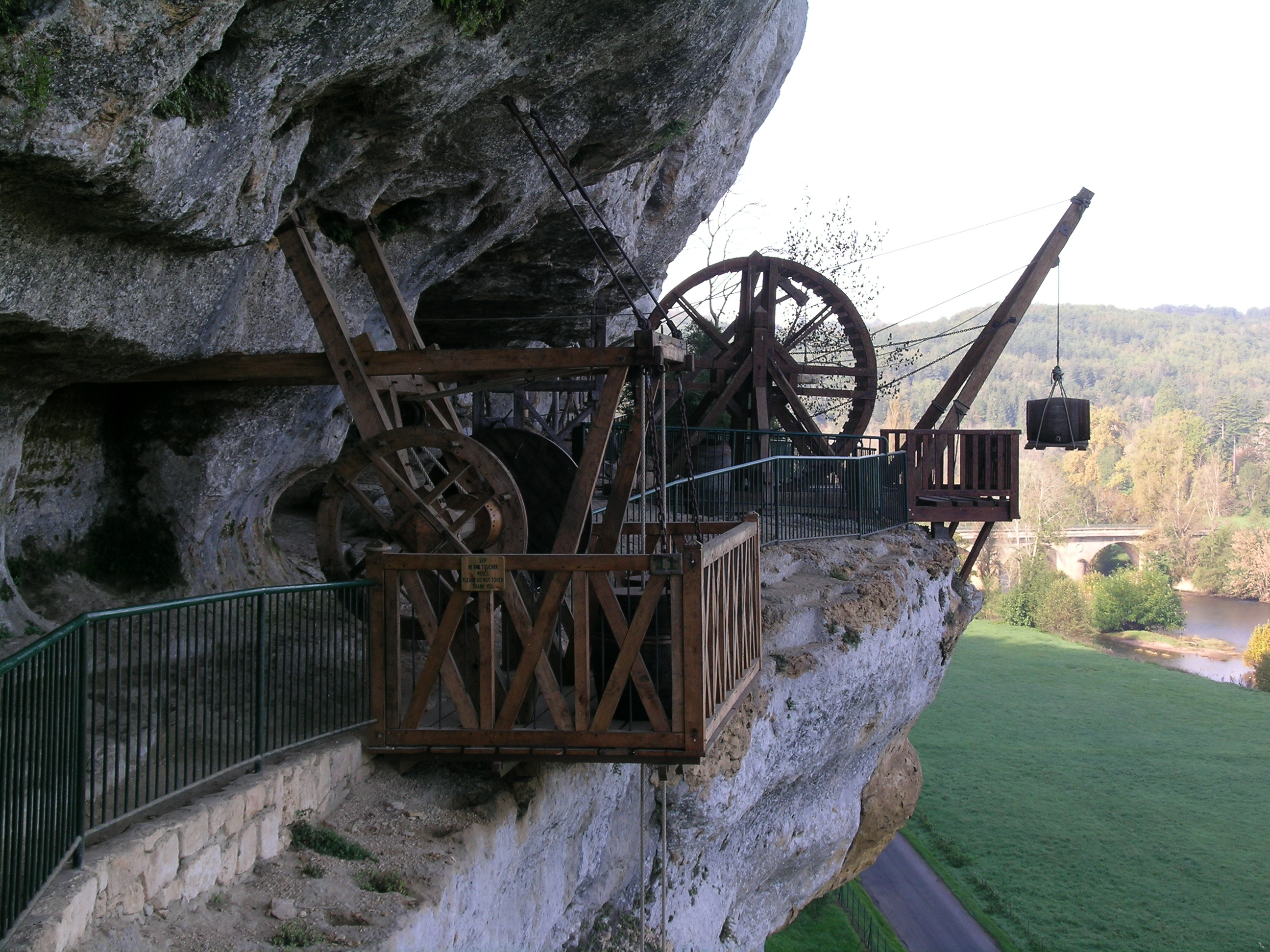 Découverte de la Dordogn en famille : la Roque St Christophe