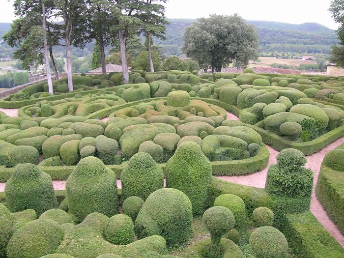 Visiter Marqueyssac, un des nombreux jardins suspendus en Dordogne